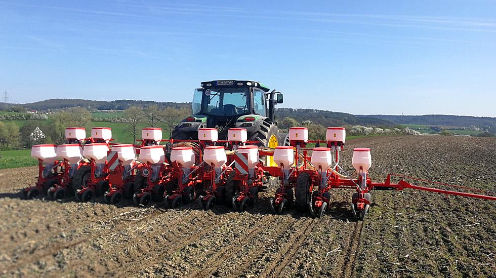 Maissägerät GASPARDO MT (11 Reihen) mit Düngerstreuer