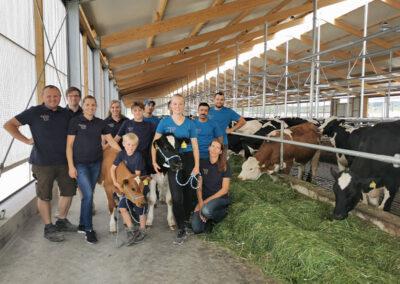 Team Möck Milch im neuen Stall für Milchviehbetrieb